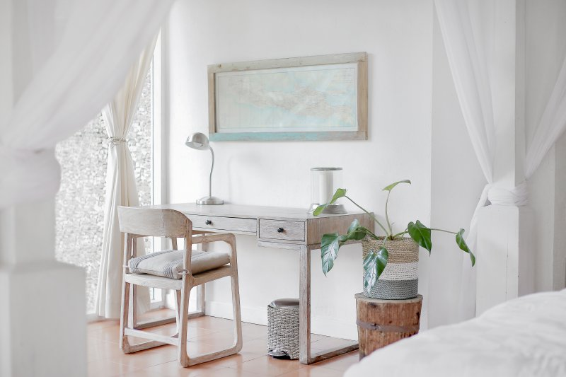 Ideas For Fashionable Walls How To, Can Mirror Be Placed In Front Of Bed